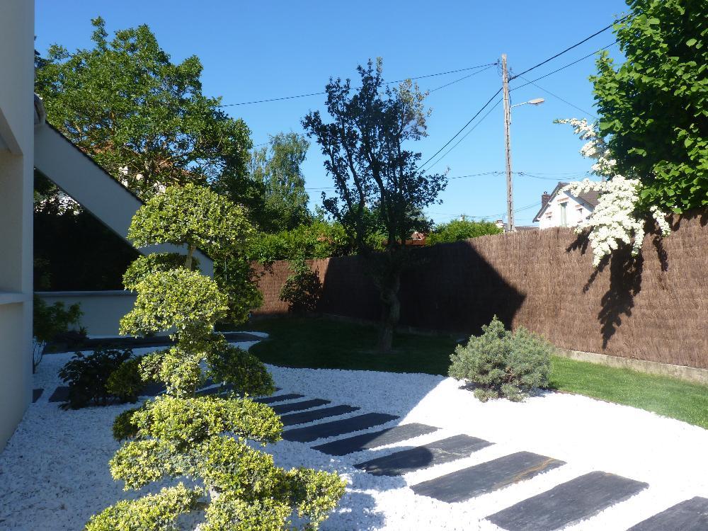 Le jardin japonais interpr te et id alise la nature en for Jardin 95